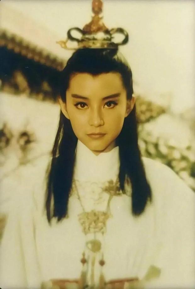 Đây chính là mỹ nhân giả trai đỉnh nhất màn ảnh Hoa ngữ, visual chuẩn soái ca khiến phụ nữ cũng phải mê mẩn - Ảnh 1.