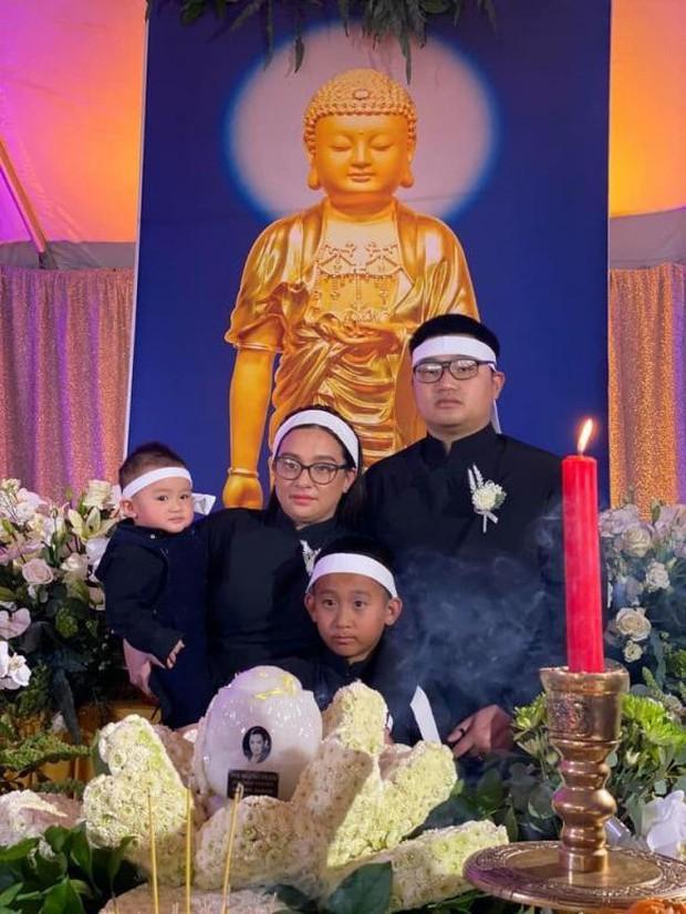 Con gái ruột Phi Nhung nói lời cảm tạ, rất xúc động vì 1 điều sau tang lễ của mẹ - Ảnh 5.