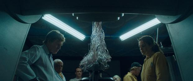 Clip: Sốc óc bộ phim khi con người khám phá ra kiếp sau tồn tại, tỷ lệ tự tử tăng vọt nhưng thứ chờ đợi sau cái chết thật không thể ngờ - Ảnh 2.