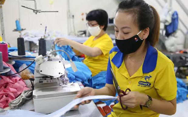 Bộ Lao động giải thích rõ đối tượng được hỗ trợ gói 30.000 tỉ đồng từ Quỹ bảo hiểm thất nghiệp - Ảnh 1.
