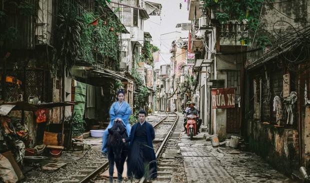 Rầm rộ bộ ảnh Nhậm Gia Luân - Bạch Lộc sang Việt Nam sau Châu Sinh Như Cố, ai dè nàng bỏ chàng đánh lẻ liền luôn? - Ảnh 12.
