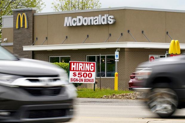 Lao động Mỹ bỏ việc với số lượng kỷ lục 43 triệu người trong tháng 8 - Ảnh 2.