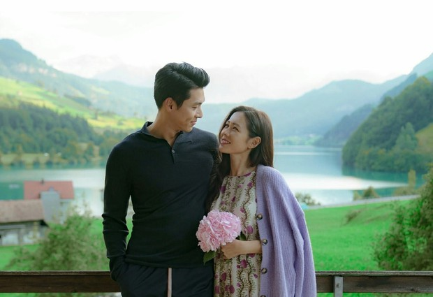 Son Ye Jin tiết lộ bom tấn với Hyun Bin lẽ ra kết thúc bi kịch, tại anh chị tình cảm quá nên được sửa kịch bản luôn - Ảnh 8.