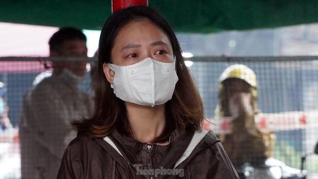 Tiểu thương khóc nghẹn khi Trung tâm thương mại Thủy Nguyên chìm trong biển lửa - Ảnh 8.