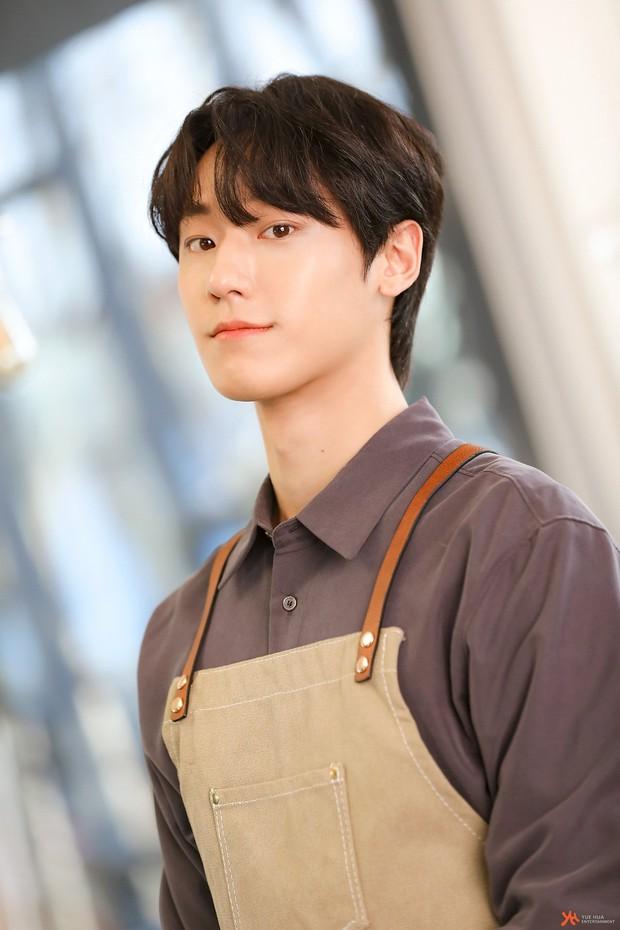 Song Hye Kyo bị ném đá tơi tả vì nhận phim với trai trẻ Lee Do Hyun: Chênh tuổi quá nhiều còn hay dính phốt? - Ảnh 3.