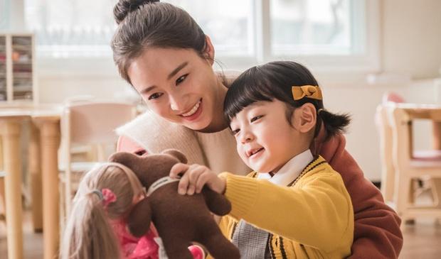 Màn giả gái đỉnh nhất phim Hàn thuộc về sao nhí 5 tuổi: Bản sao của đại mỹ nhân, hết phim vẫn không ai biết giới tính thật - Ảnh 2.