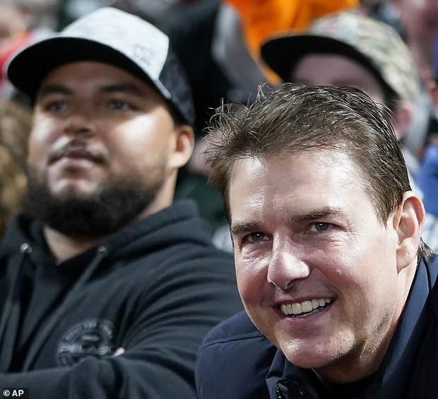 """Không thể tin nổi đây là tài tử Tom Cruise: Da căng phồng như bơm hơi, mặt biến dạng dấy lên nghi vấn """"dao kéo"""" - Ảnh 3."""