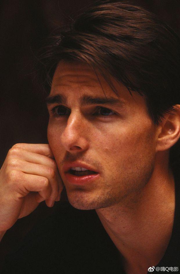 """Không thể tin nổi đây là tài tử Tom Cruise: Da căng phồng như bơm hơi, mặt biến dạng dấy lên nghi vấn """"dao kéo"""" - Ảnh 8."""