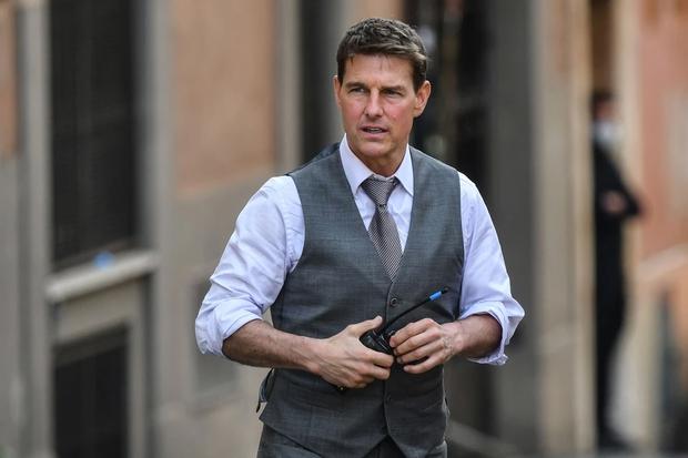 """Không thể tin nổi đây là tài tử Tom Cruise: Da căng phồng như bơm hơi, mặt biến dạng dấy lên nghi vấn """"dao kéo"""" - Ảnh 7."""