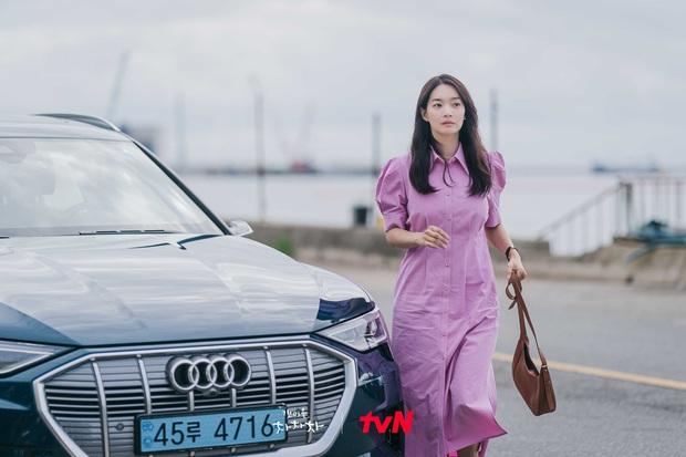 Thời trang nữ chính Hometown Cha-Cha-Cha bị netizen chê bai thảm họa: Vừa già vừa sến, dìm chị đẹp quá thể? - Ảnh 6.