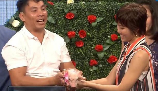 Người đàn ông mang… lợn đến show hẹn hò tặng bạn gái gây sốt trở lại sau 3 năm - Ảnh 4.