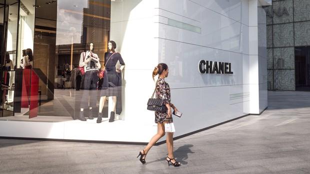 Giữa lúc con nghiện chết khát hàng hiệu, Chanel đưa ra chỉ thị mới khiến lắm kẻ méo mặt - Ảnh 4.