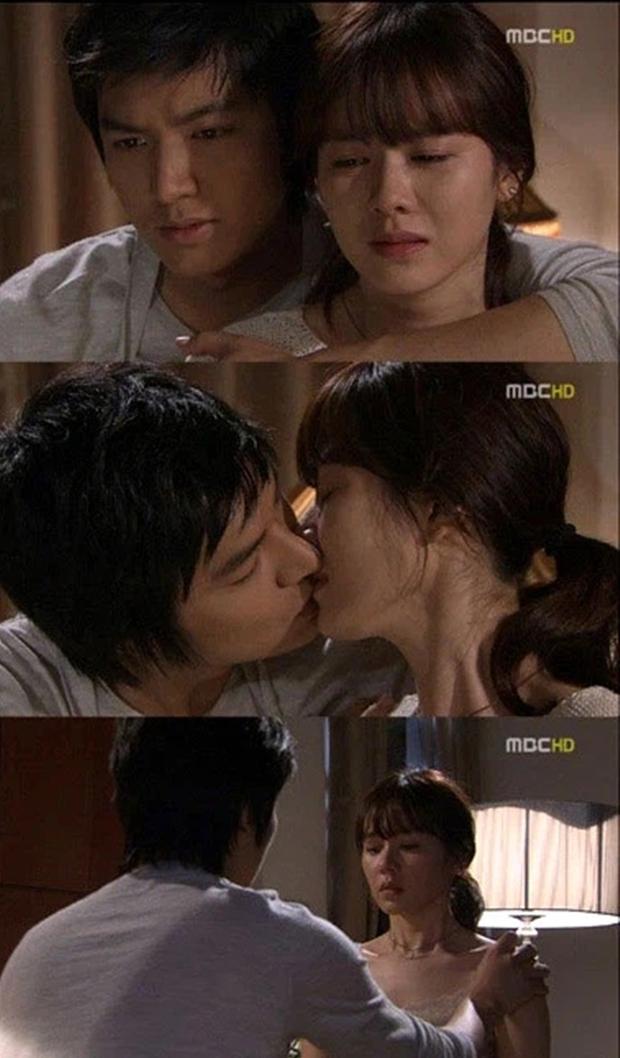Son Ye Jin - Lee Min Ho từng có cảnh giường chiếu nóng bỏng mắt, Hyun Bin xem lại chắc tức phát điên - Ảnh 2.
