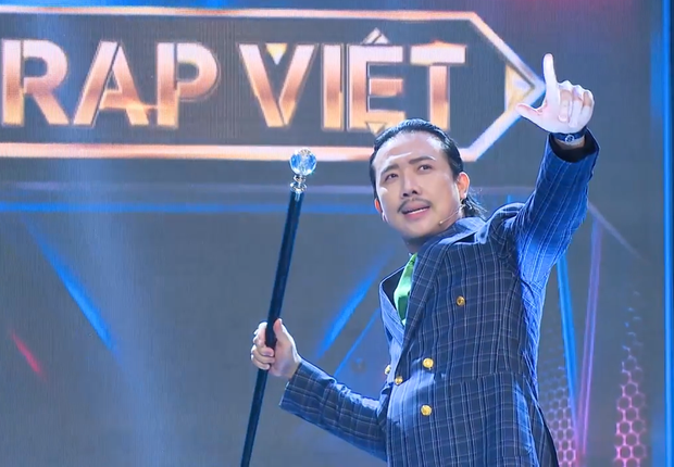 Rap Việt mùa 2 nhá hàng tập 1: Binz vẫn trung thành với cây hồng, LK chất nhất dàn HLV! - Ảnh 1.