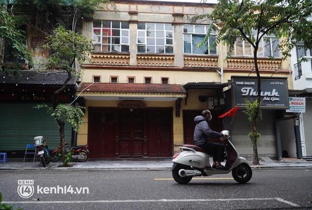 Cập nhật: Người dân Hà Nội phấn khởi ăn phở tại cửa hàng - Ảnh 8.