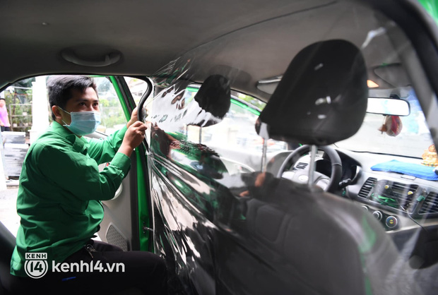 Xe buýt, taxi hối hả chuẩn bị cho ngày đầu được hoạt động, đón khách trở lại - Ảnh 17.
