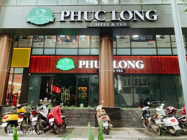Các khu phố cà phê ở Hà Nội tưng bừng mở lại, ngồi chill ngày mưa xin chấm 10 điểm lãng mạn! - Ảnh 4.