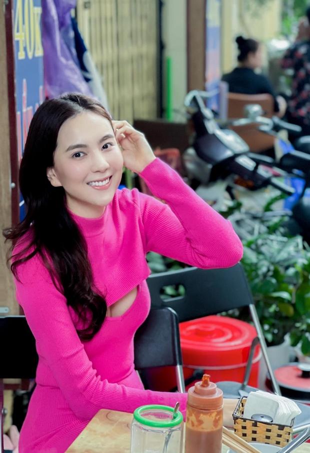 MC Mai Ngọc kể chuyện đi ăn bún ngan được khen lên đồ như người nước ngoài, dân mạng lại chỉ chú ý vào đôi chân dài 2 mét - Ảnh 1.