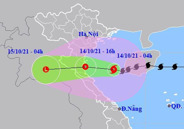 Bão số 8 đổ bộ vào từ Thanh Hóa - Quảng Bình chiều nay 14/10 - Ảnh 1.