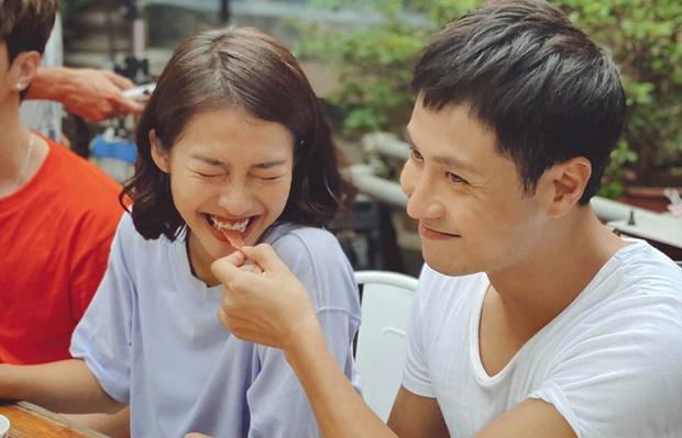 Khả Ngân đút cơm đầy tình tứ cho Thanh Sơn, thế này mà hỏi yêu không còn chối - Ảnh 10.