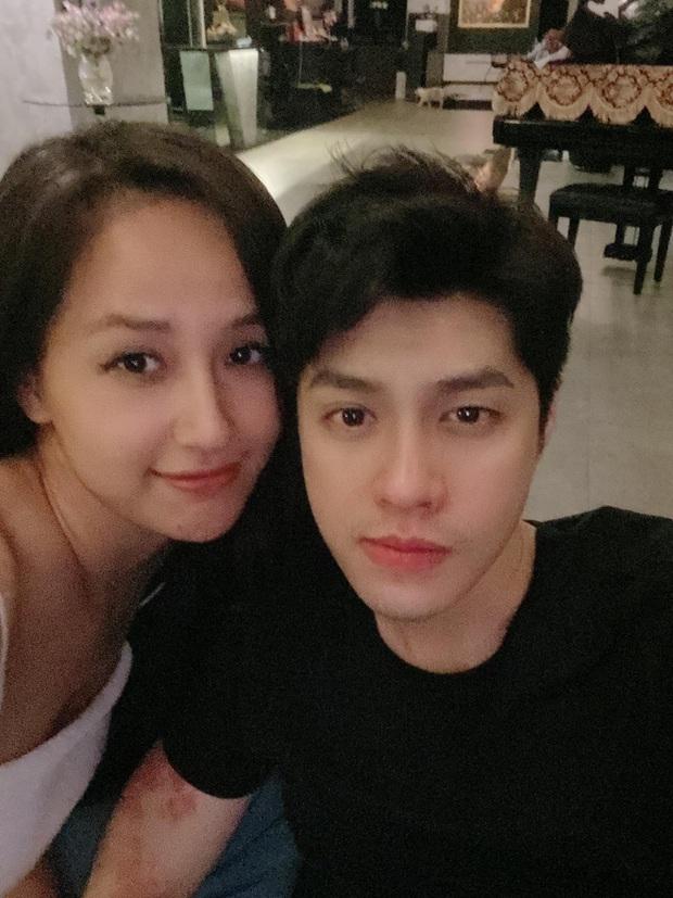Mai Phương Thuý - Noo Phước Thịnh ngồi dính lấy nhau, còn bị soi bàn tay tình tứ biến Phạm Quỳnh Anh thành bóng đèn - Ảnh 5.