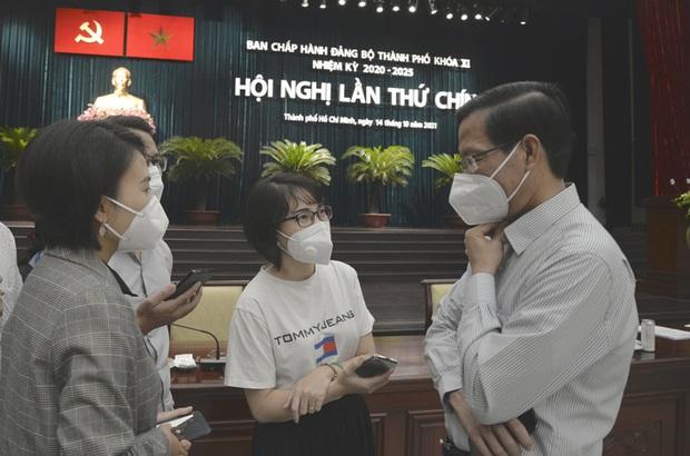 Chủ tịch Phan Văn Mãi: Chưa thể nói TP.HCM đã trở lại trạng thái bình thường mới - Ảnh 1.
