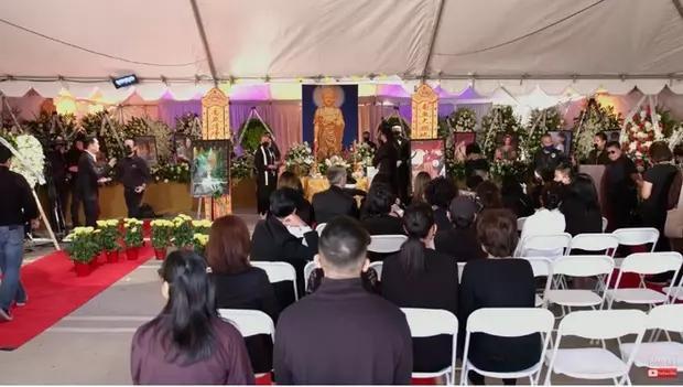 Con gái Phi Nhung nói lời cảm ơn sau khi hoàn tất tang lễ, cầu xin khán giả một điều cuối cùng liên quan đến mẹ - Ảnh 6.