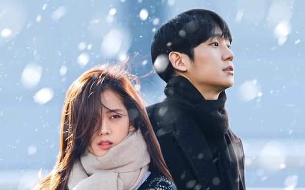 Bom tấn của Jisoo (BLACKPINK) tung teaser chính thức, netizen Việt khóc ròng vì chiếu ở nền tảng không ai xem được - Ảnh 5.
