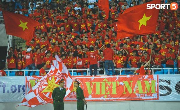 Khán giả có thể vào sân cổ vũ cho đội tuyển Việt Nam trận gặp Nhật Bản và Saudi Arabia - Ảnh 2.