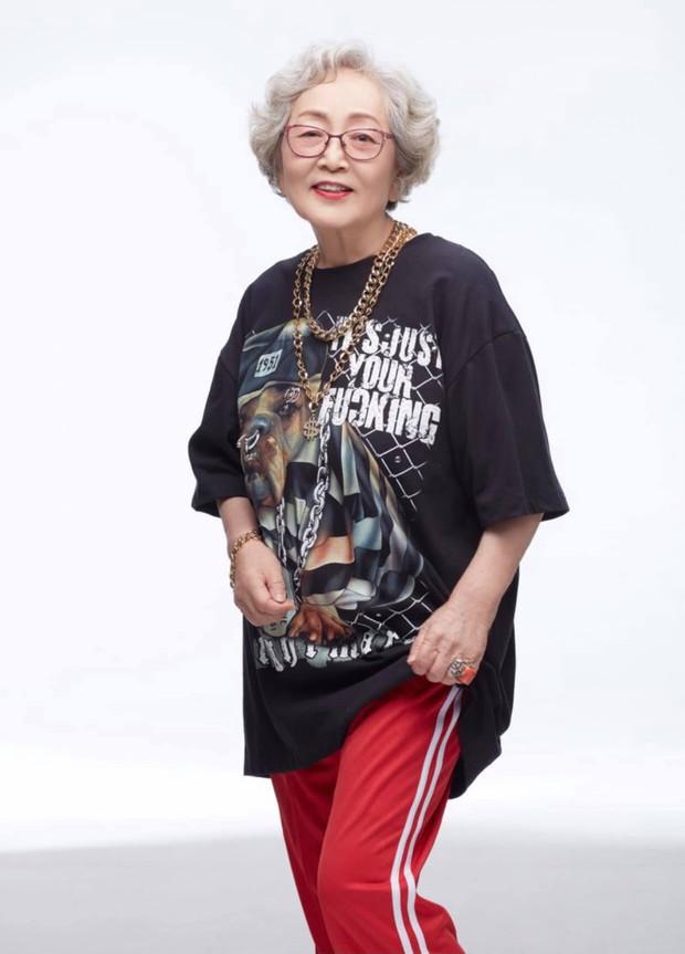 Ngã ngửa với nhan sắc thật của dàn cast Hometown Cha-Cha-Cha: Shin Min Ah lép vế nữ phụ, trùm cuối gây sốc cực mạnh - Ảnh 17.