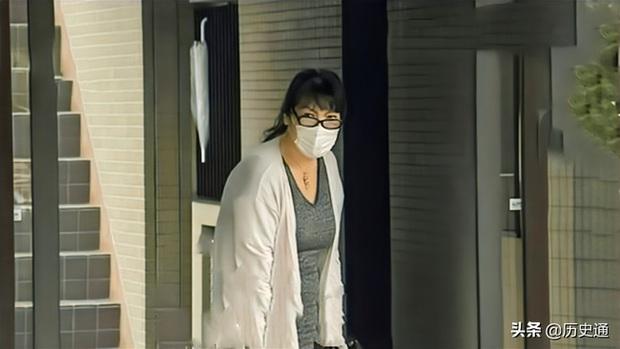 Bê bối liên tiếp bủa vây vị hôn phu của Công chúa Nhật Bản, hé lộ chân dung người mẹ chồng bị dư luận lên án - Ảnh 5.