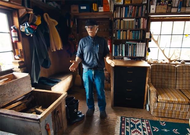 Ông lão mua một căn nhà rộng 70m2 trên mặt nước, sống nhàn nhã một mình hơn 30 năm: Không bị vật chất bó buộc, thế giới tinh thần trở nên phong phú hơn! - Ảnh 10.