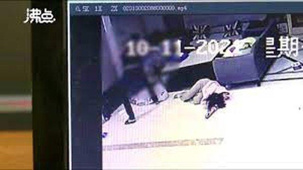 Biết bạn gái ngoại tình, thanh niên xăm trổ tới khách sạn đập nát Mercedes cô này đi mượn và đánh trọng thương 2 nhân viên - Ảnh 4.
