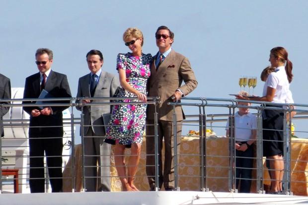 Hú hồn ảnh hậu trường Công nương Diana của phim The Crown bị lộ, phát ngất vì sao y bản chính không phân biệt nổi! - Ảnh 5.