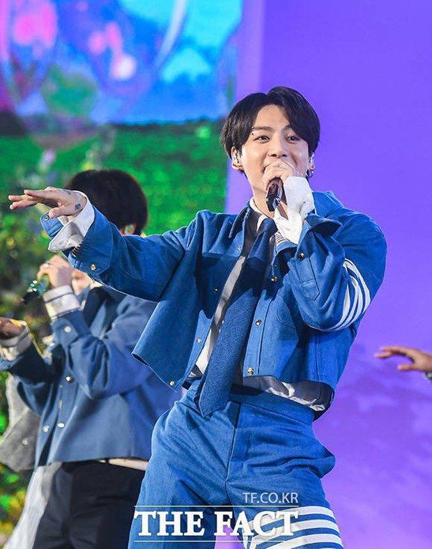 BTS mang đến 3 màn biểu diễn ấn tượng tại TMA 2021, nhưng đến sân khấu live encore thì tụt mood thật đấy! - Ảnh 14.