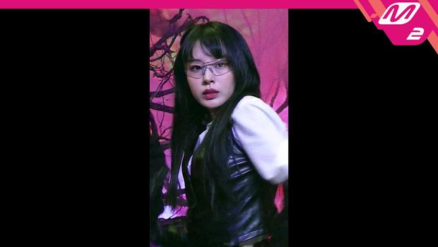 Fancam của nữ vũ công đẹp nhất show Mnet chiếm trọn spotlight giữa dàn idol, cả NCT lẫn ITZY đều không đọ lại - Ảnh 4.