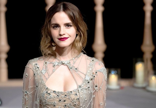 Năm 2017 Emma Watson có 1 thảm đỏ huyền thoại ở Trung Quốc: Đẹp nức nở tựa công chúa, đến mức ảnh chụp lướt mỗi năm đều gây bão MXH - Ảnh 3.
