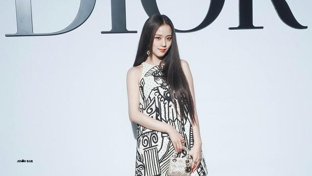 Rần rần clip CEO Dior tuyên bố chống lưng cho Jisoo nếu bị YG sa thải, nữ idol phản ứng ra sao trước kim chủ? - Ảnh 5.