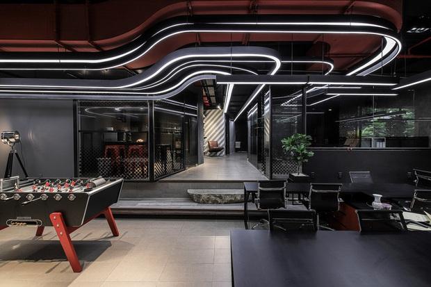 SpaceSpeakers khoe trụ sở sang xịn mịn nhìn như công ty giải trí nước ngoài, đẹp như nào mà netizen thốt lên: Nhà hát của những giấc mơ - Ảnh 4.