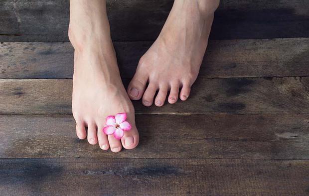Nam giới có thận khỏe thường có 3 biểu hiện đặc trưng ở bàn chân, mong rằng bạn hội tụ tất cả - Ảnh 2.