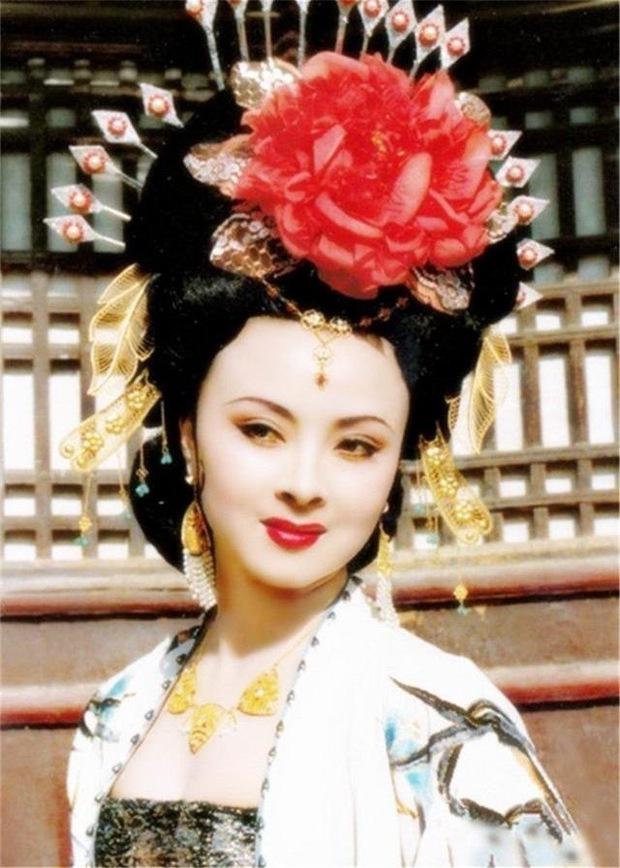 Cbiz nhận tin dữ: Dương Quý Phi đẹp nhất màn ảnh xứ Trung qua đời, nhan sắc kinh diễm thuở sinh thời khiến fan xót xa - Ảnh 2.