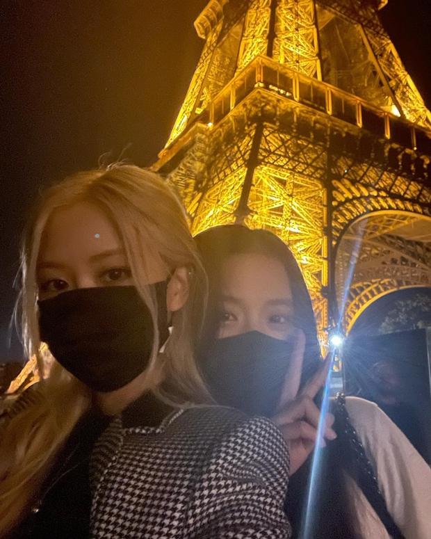 Fan BLACKPINK ăn trọn cú lừa: Lisa sang Pháp không phải dự show thời trang mà đi quay MV với DJ Snake? - Ảnh 1.