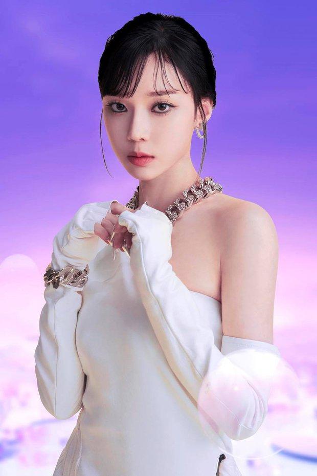 Karina đấm vỡ màn hình, kéo aespa đi đánh trận trong teaser MV mới; netizen khen: Nhạc không gây nghiện đời không nể! - Ảnh 10.