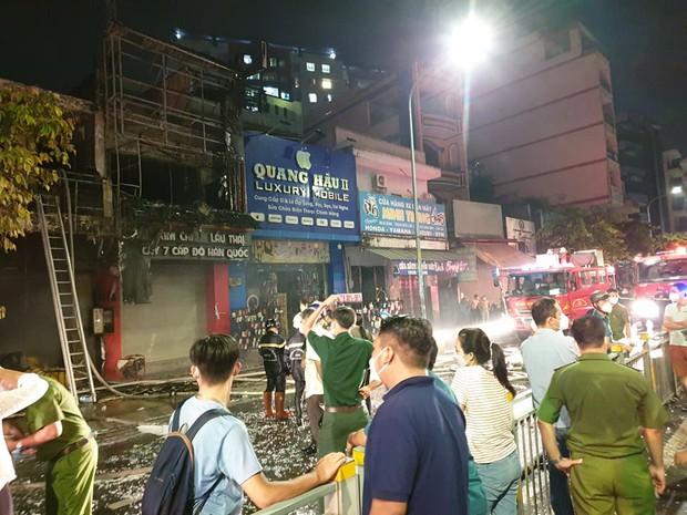 TP.HCM: 2 căn nhà mặt phố bị cháy dữ dội, 1 người tử vong tại chỗ - Ảnh 5.