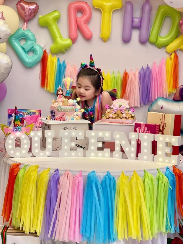 """Vợ chồng Vân Trang tổ chức sinh nhật con gái lớn, vóc dáng và nhan sắc mẹ bầu sắp """"vỡ chum"""" giật trọn spotlight! - Ảnh 6."""