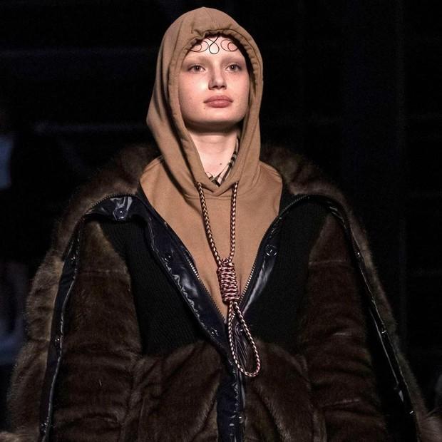 Chi tiết rùng mình khiến hãng Givenchy bị lên án ở Fashion Week và đây không phải là lần đầu có hiện tượng này - Ảnh 5.