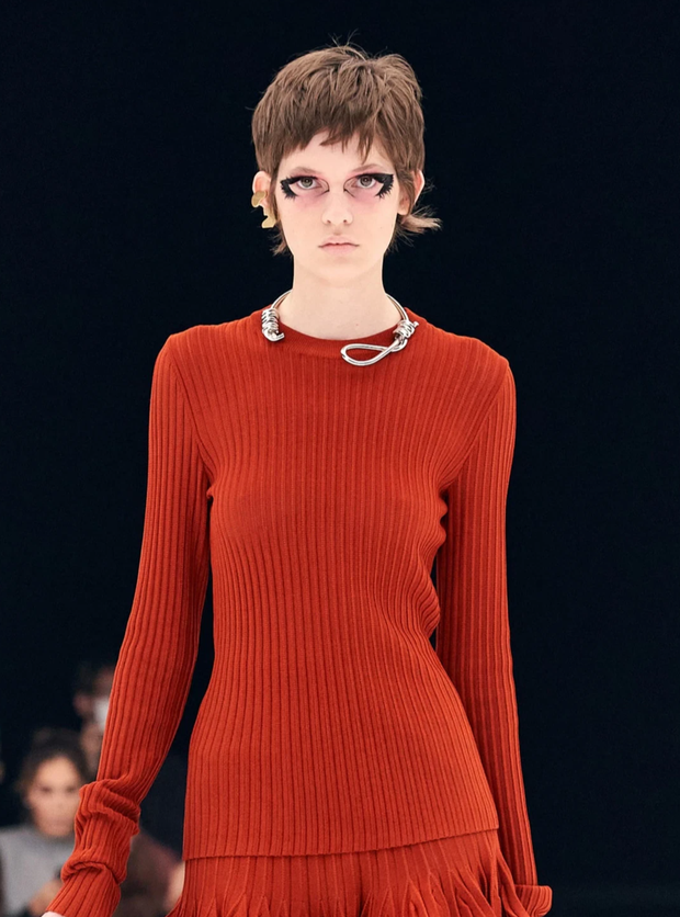 Chi tiết rùng mình khiến hãng Givenchy bị lên án ở Fashion Week và đây không phải là lần đầu có hiện tượng này - Ảnh 3.