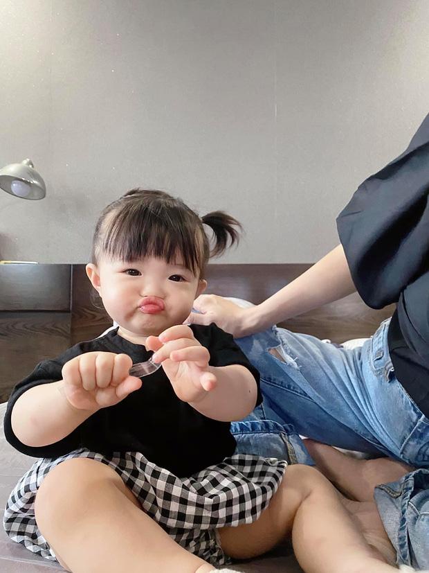 Ngắm vitamin dễ thương tối đầu tuần của 2 mẹ bỉm hào môn Đông Nhi và Đàm Thu Trang: Các mẹ ơi, mau đẻ ngay 1 tiểu công chúa! - Ảnh 2.