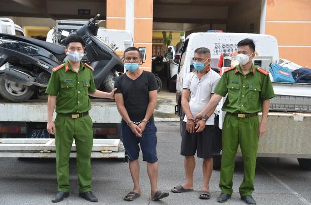 Nhóm trộm dùng nhà hoang làm nơi cất giấu tài sản, công an phải dùng 3 xe tải mới chở hết - Ảnh 2.