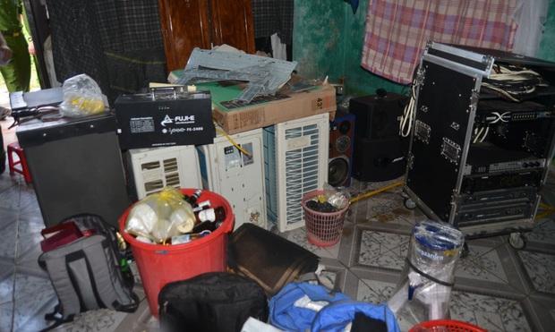 Nhóm trộm dùng nhà hoang làm nơi cất giấu tài sản, công an phải dùng 3 xe tải mới chở hết - Ảnh 4.